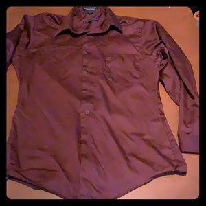 Fitted Long sleeves button down shirt
